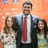 Giuseppe Alessio Nuzzo e le bambine interpreti dell'Amica Geniale