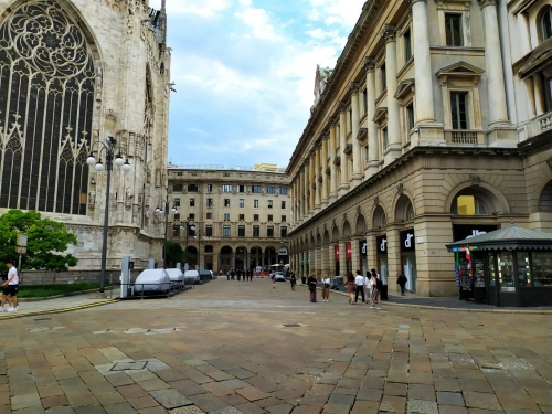 show-room piazza Duomo